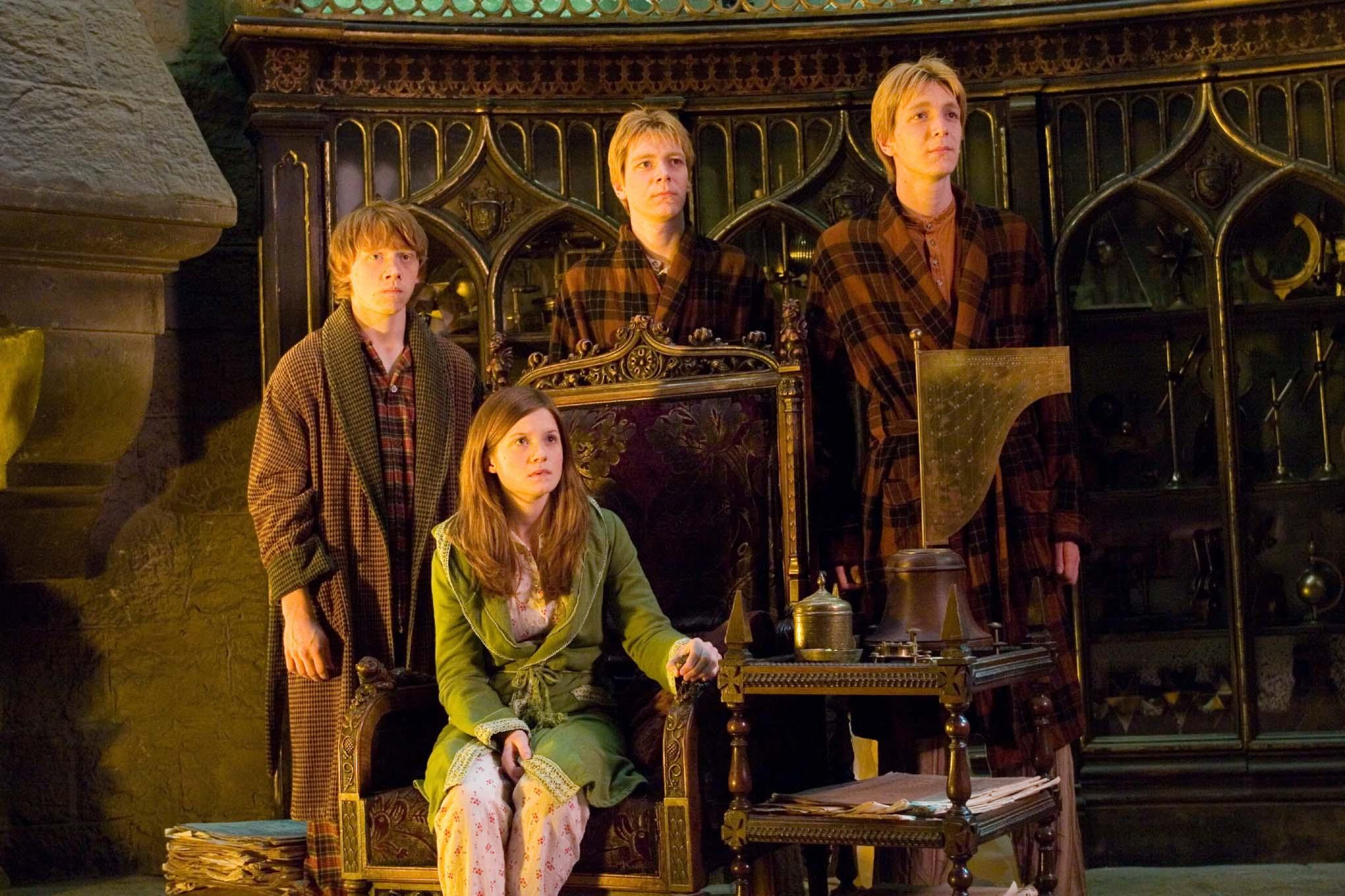 Ginny, Gemelos y Ron Weasley