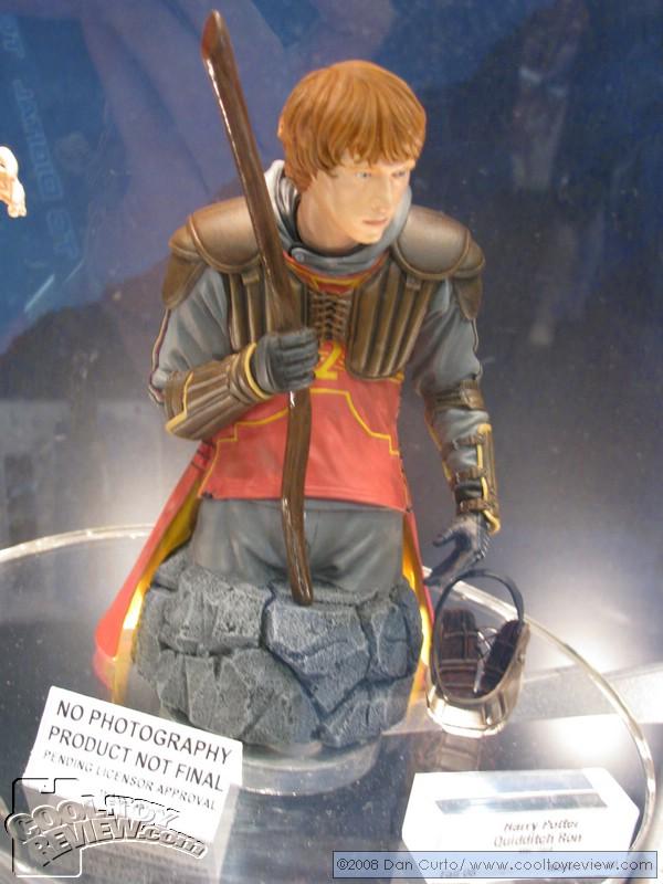 BlogHogwarts - Primera Imagen de Ron con Uniforme de Quiddicth