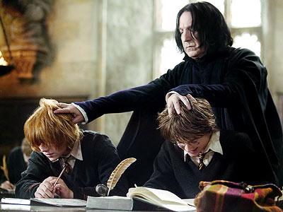 Harry Potter estudiando