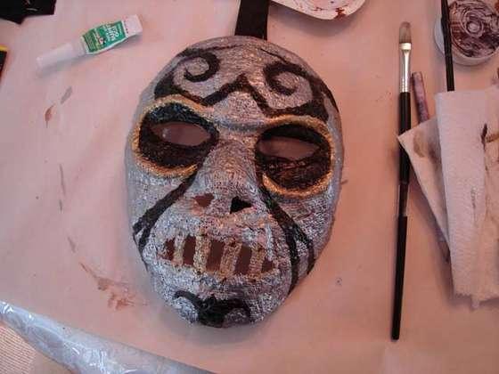 otras-manualidades_mascaramortifago_fig06_grimsqueaker