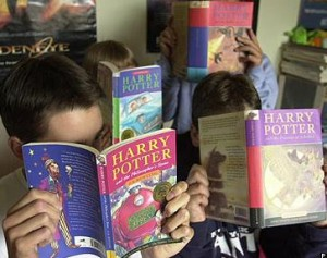 http://bloghogwarts.com/wp-content/uploads/2009/12/Harry-Potter-Boks-300x237.jpg