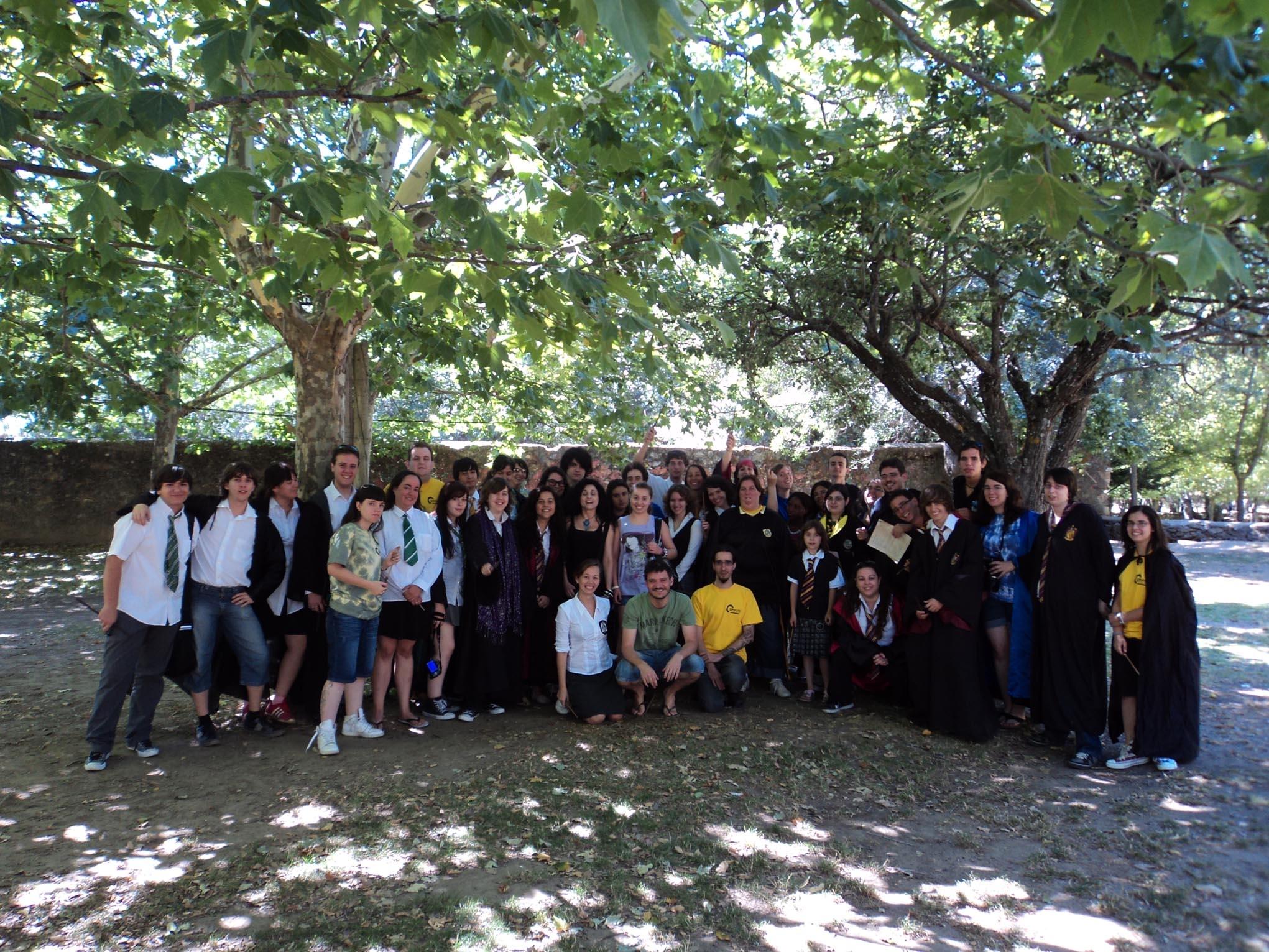 Con alumnos, profesores y prefectos