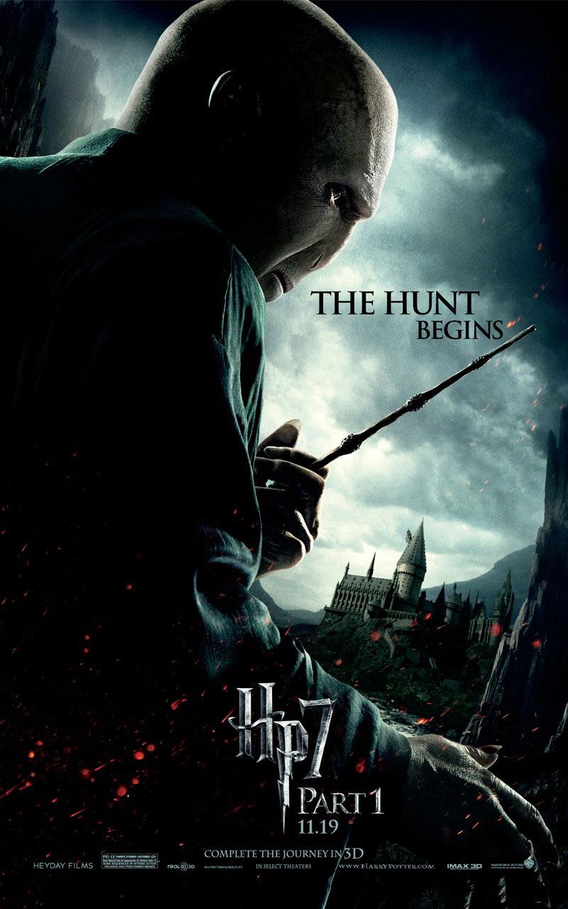 http://bloghogwarts.com/wp-content/uploads/2010/10/Harry-Potter-7-02.jpg