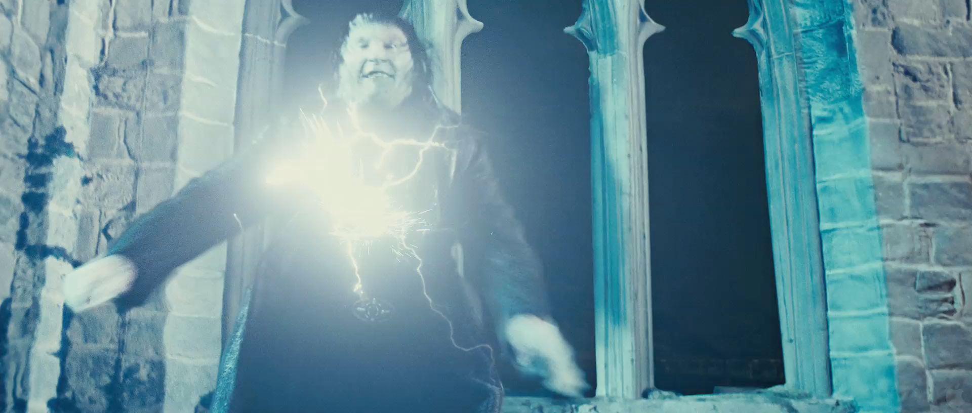 Harry Potter BlogHogwarts HP7 2 Trailer 11