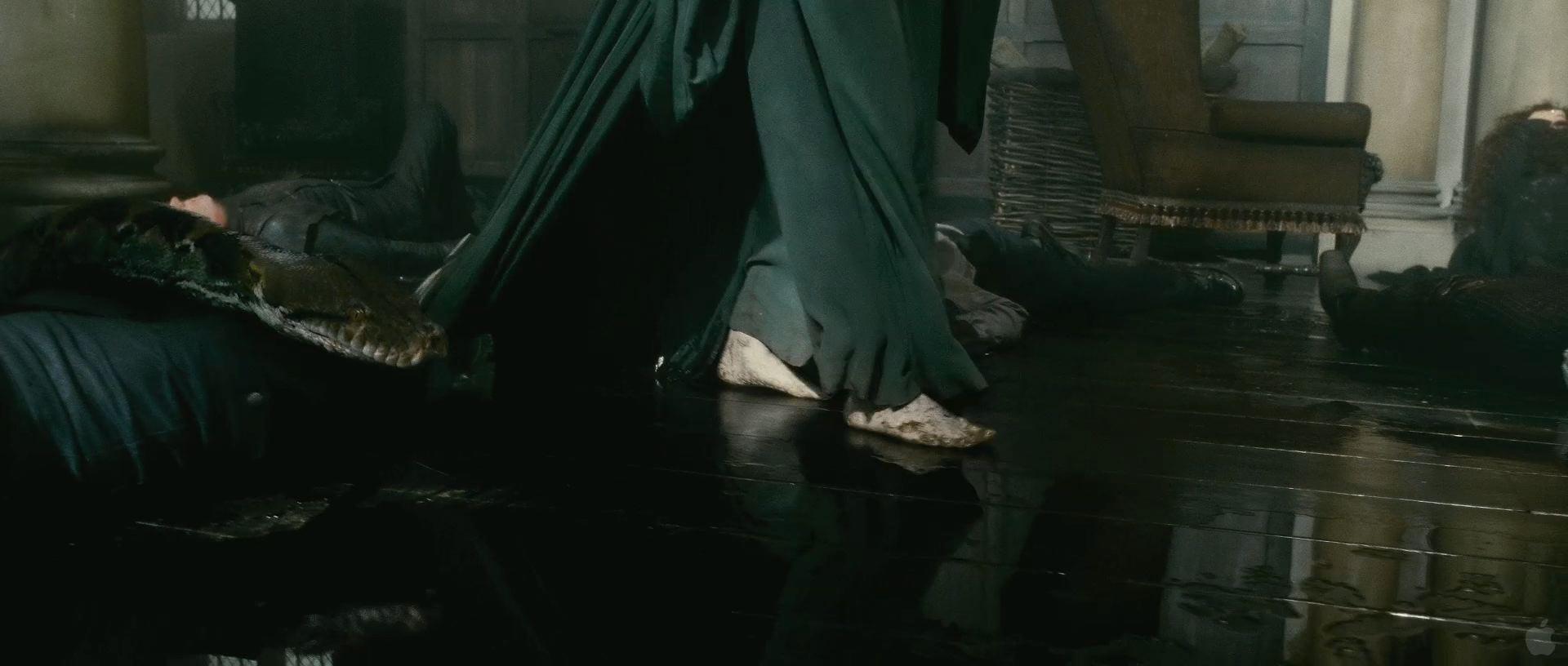 Harry Potter BlogHogwarts HP7 2 Trailer 17