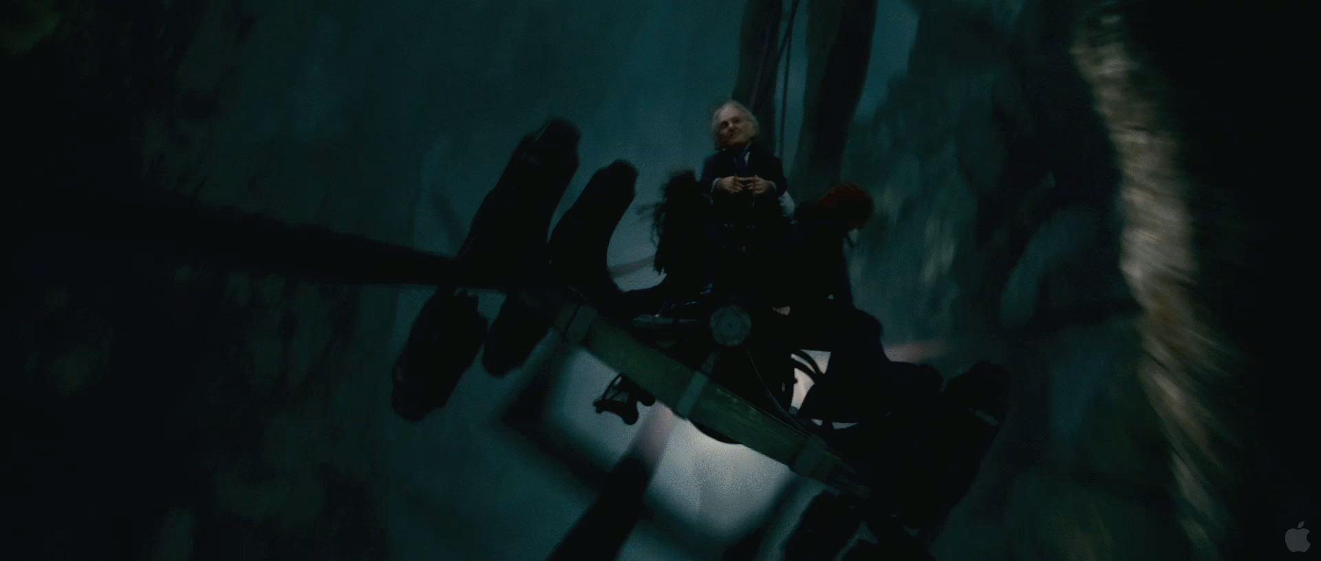 Harry Potter BlogHogwarts HP7 2 Trailer 22