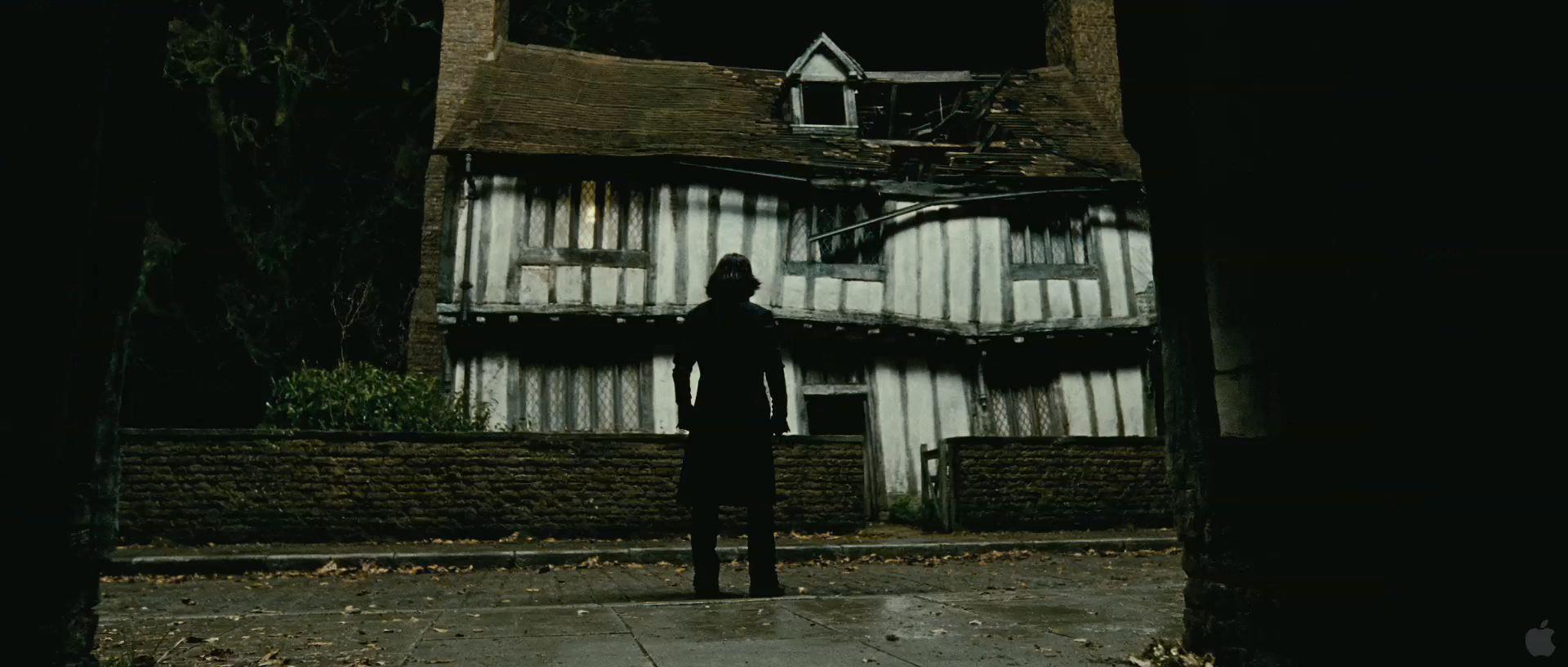 Harry Potter BlogHogwarts HP7 2 Trailer 26