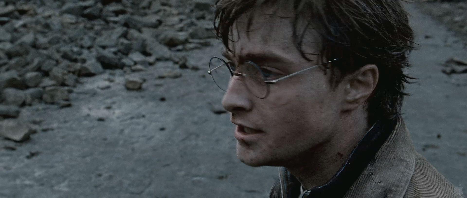 Harry Potter BlogHogwarts HP7 2 Trailer 29