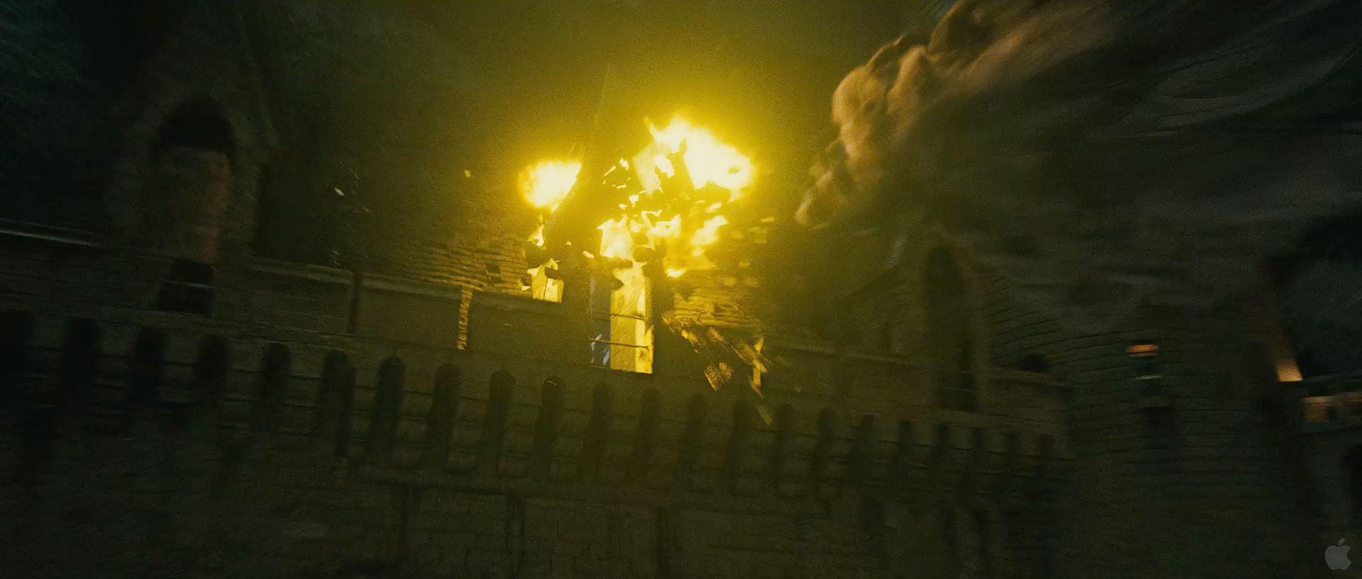 Harry Potter BlogHogwarts HP7 2 Trailer 35