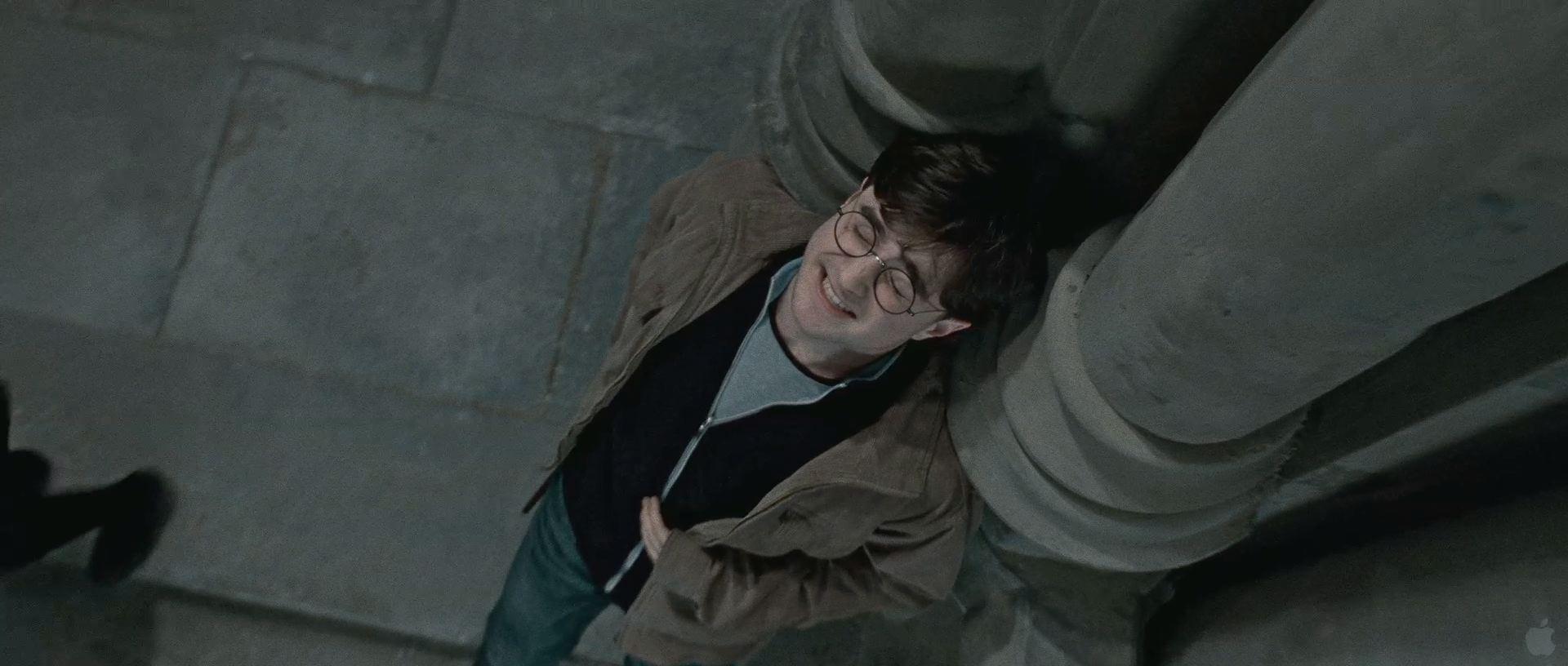 Harry Potter BlogHogwarts HP7 2 Trailer 36