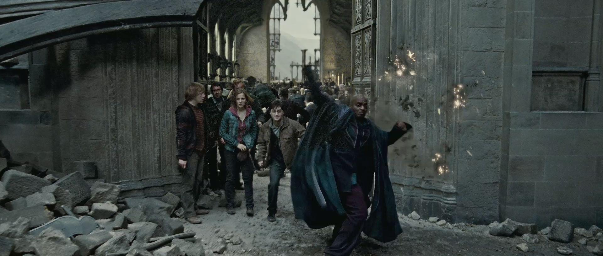 Harry Potter BlogHogwarts HP7 2 Trailer 39