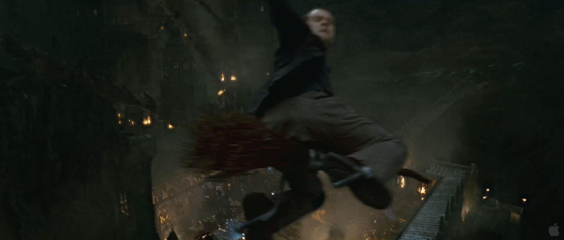Harry Potter BlogHogwarts HP7 2 Trailer 42