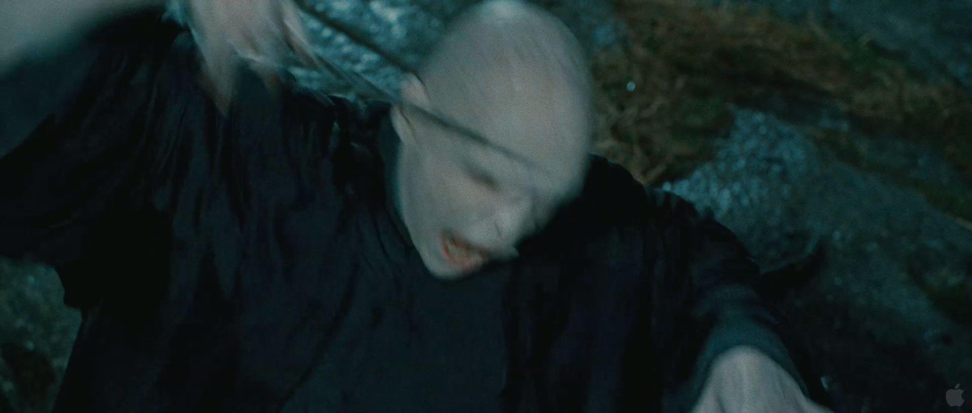 Harry Potter BlogHogwarts HP7 2 Trailer 52