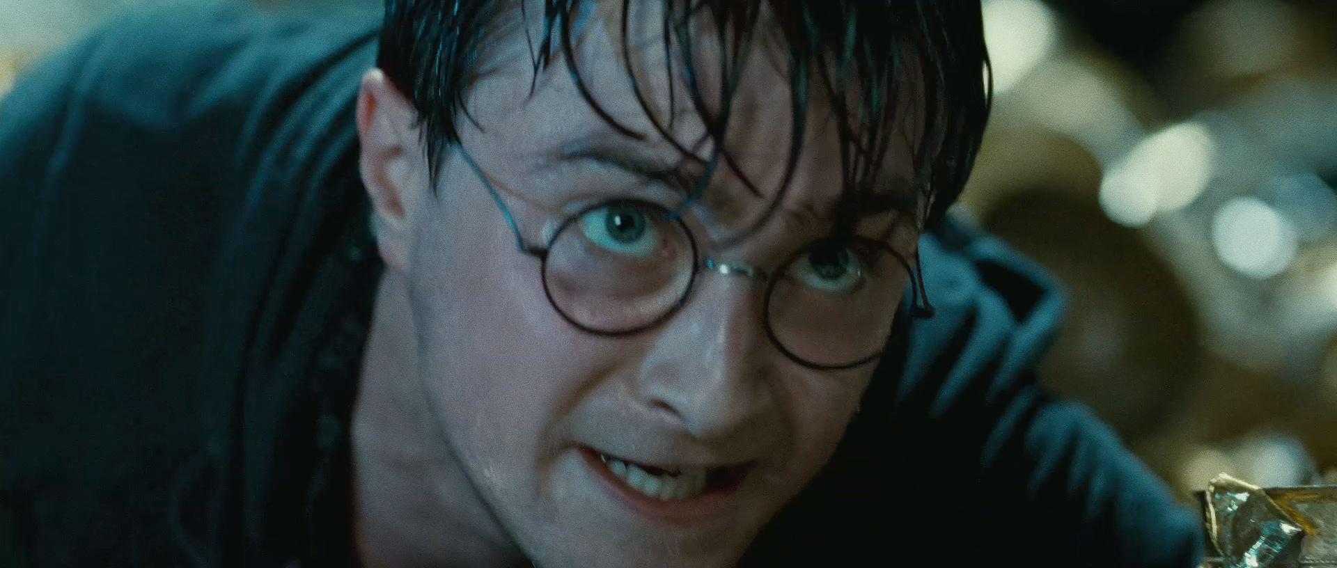 Harry Potter BlogHogwarts HP7 2 Trailer 55