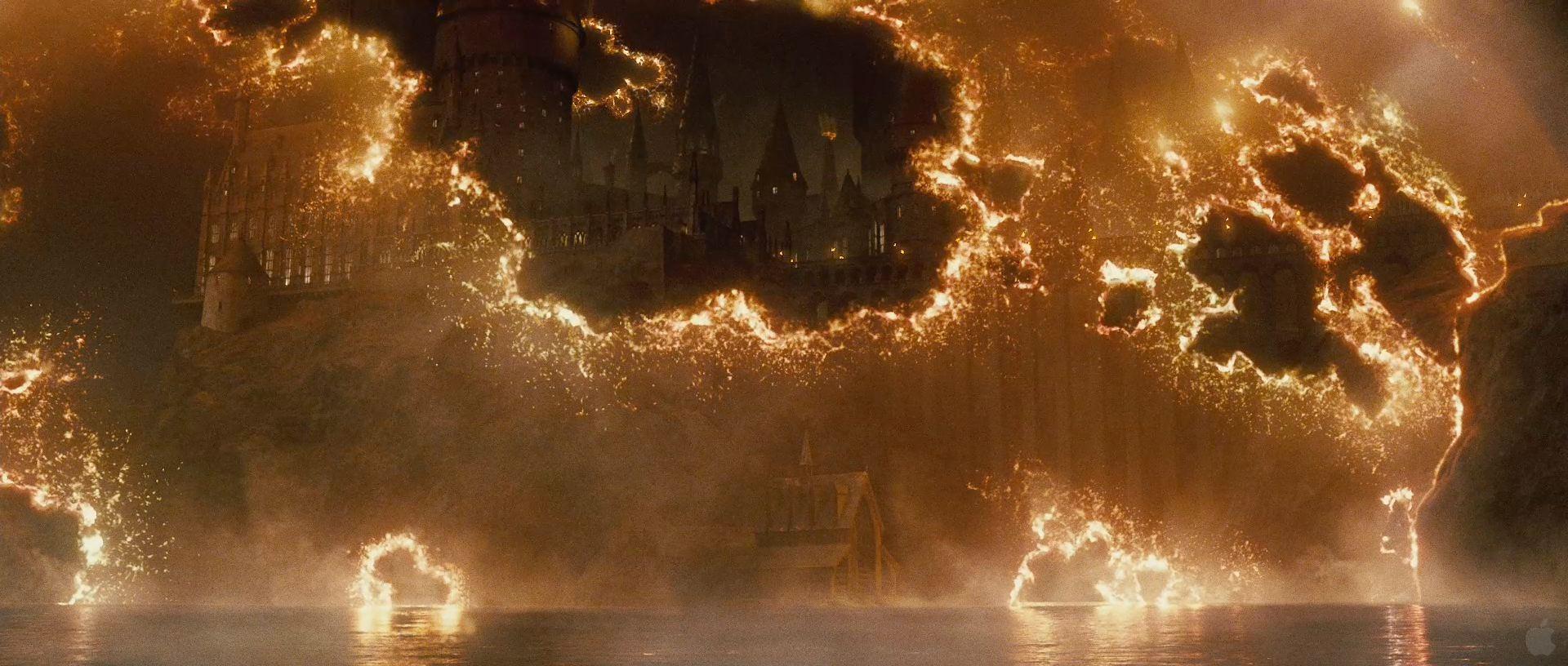 Harry Potter BlogHogwarts HP7 2 Trailer 57