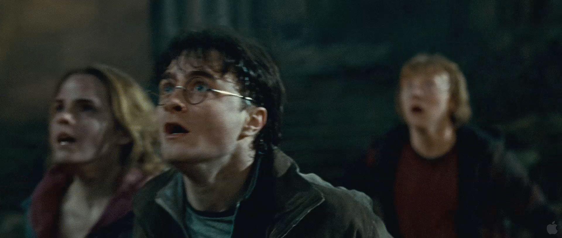 Harry Potter BlogHogwarts HP7 2 Trailer 63