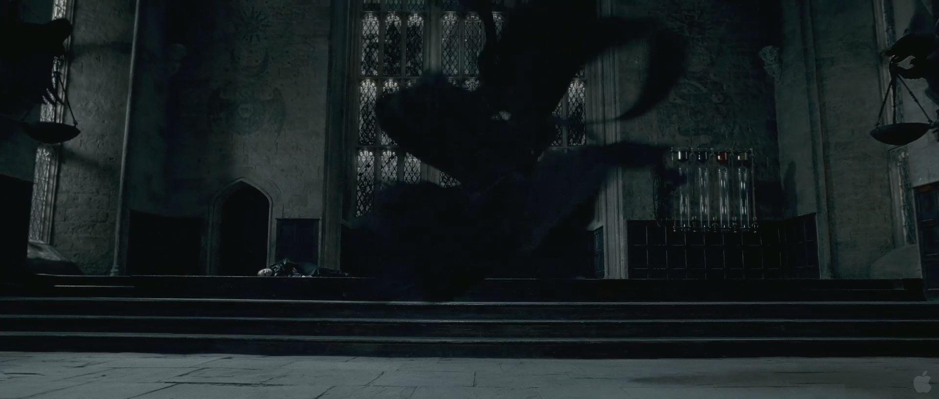 Harry Potter BlogHogwarts HP7 2 Trailer 65