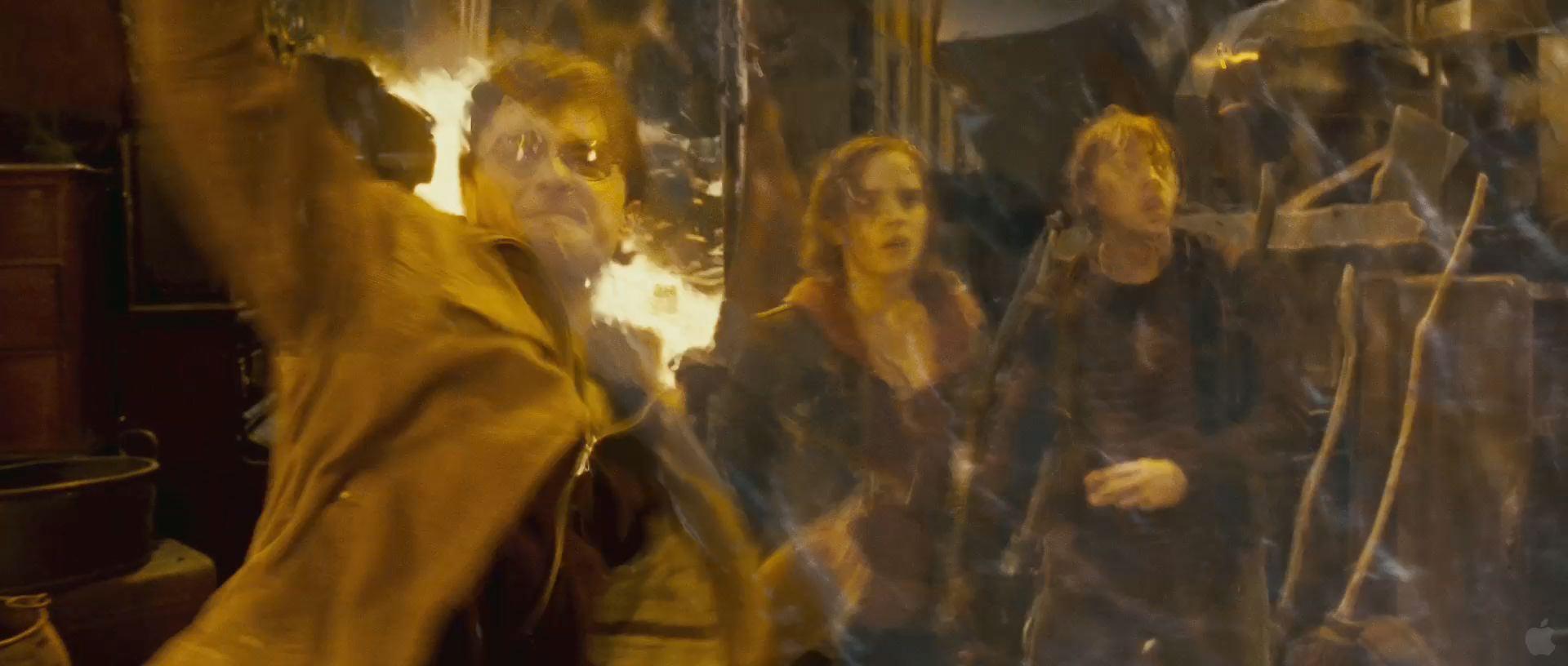 Harry Potter BlogHogwarts HP7 2 Trailer 70