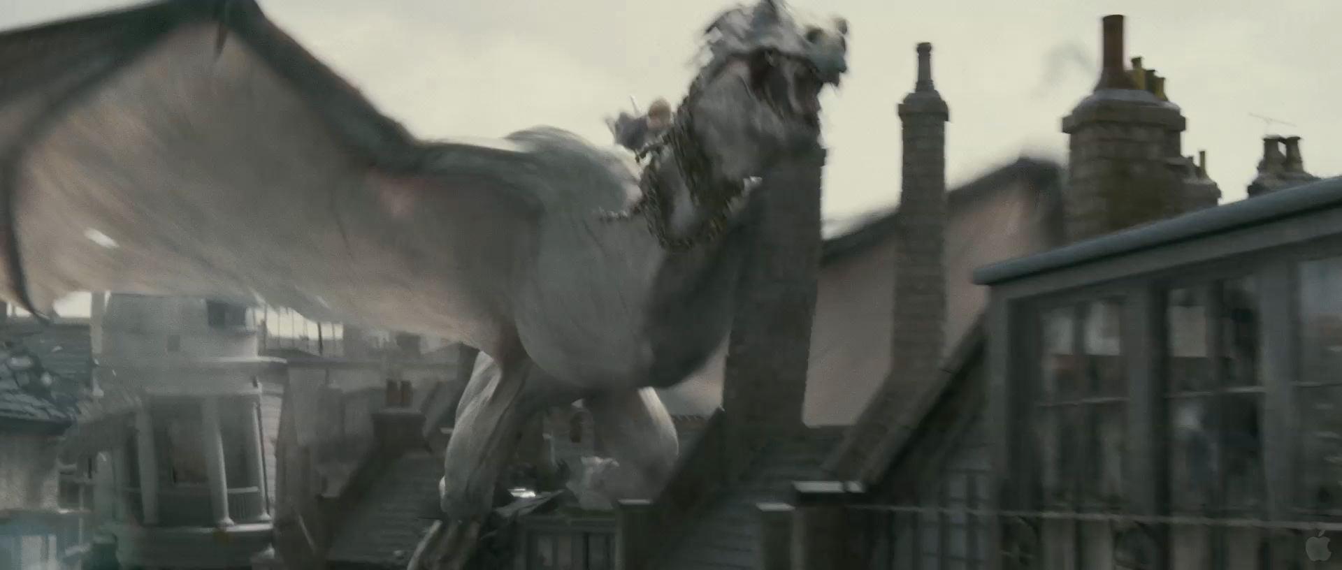 Harry Potter BlogHogwarts HP7 2 Trailer 80