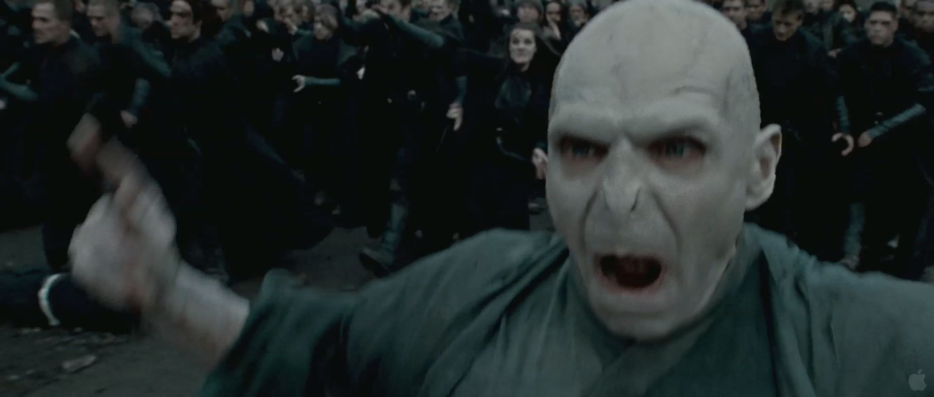 Harry Potter BlogHogwarts HP7 2 Trailer 82