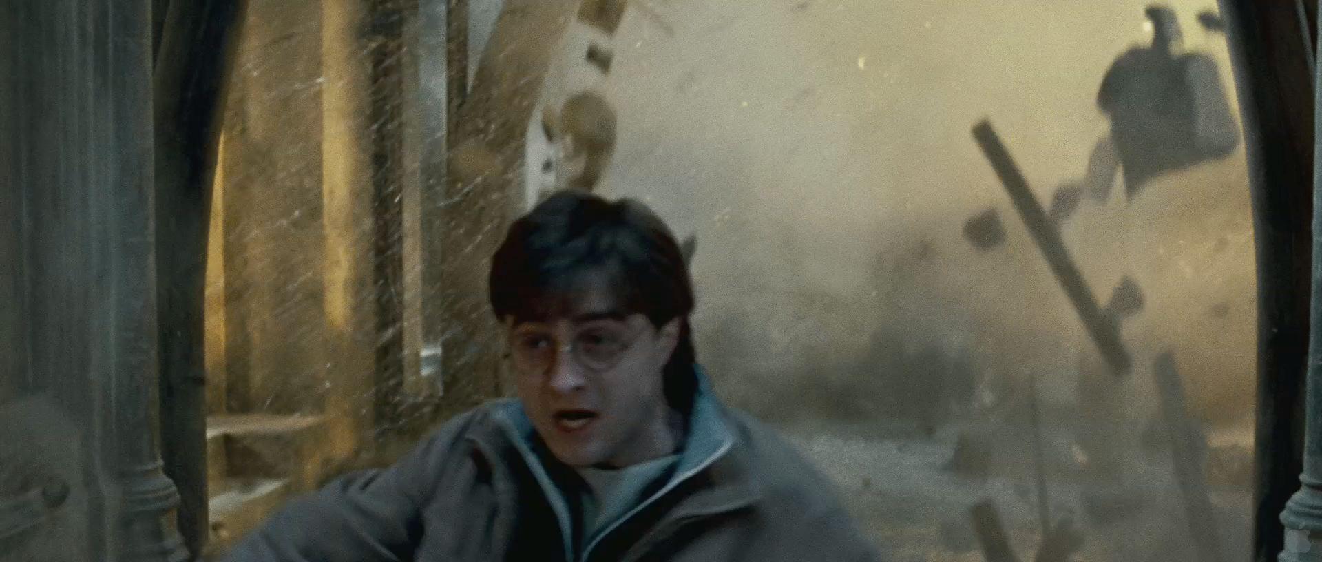 Harry Potter BlogHogwarts HP7 2 Trailer 84
