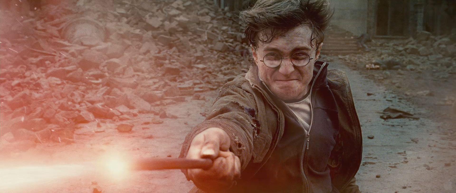 Harry Potter BlogHogwarts HP7 2 Trailer 86
