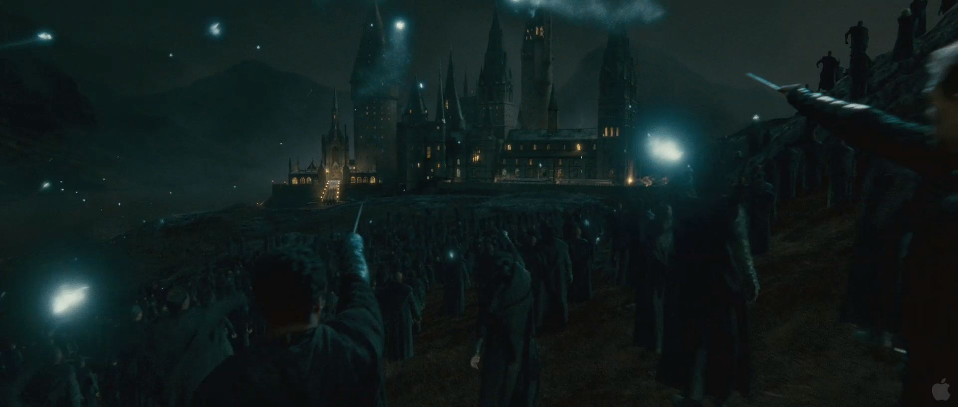 Harry Potter BlogHogwarts HP7 2 Trailer 87