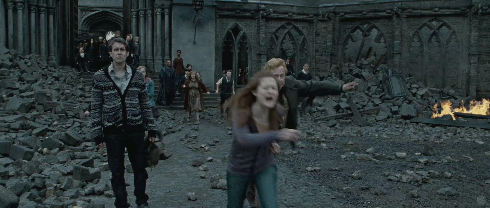 Harry Potter BlogHogwarts HP7 2 Trailer 91