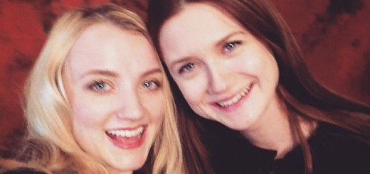 Evanna Lynch y Bonnie Wright en Paris